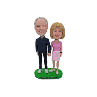 Couples Bobbleheads Hand In Hand